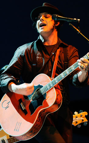 Jack White, The Raconteurs