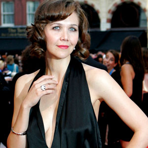 Maggie Gyllenhaal: Hot for Climate Control | E! News Maggie Gyllenhaal