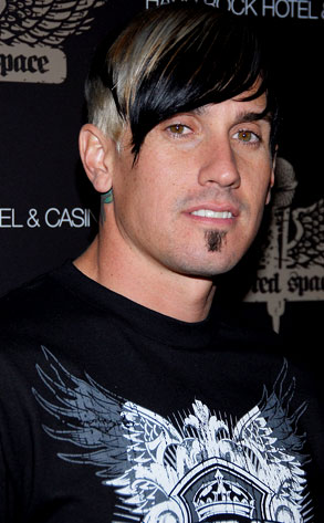Carey Hart S Brother Dies In Crash E News