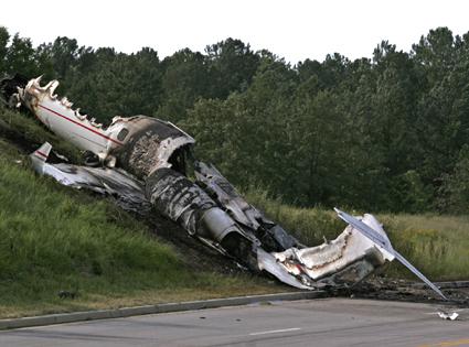 DJ AM, Travis Barker plane crash