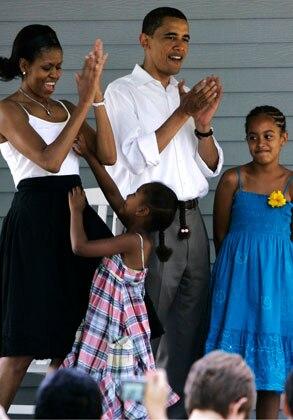 Michelle Obama, Malia Obama, Barack Obama, Sasha Obama