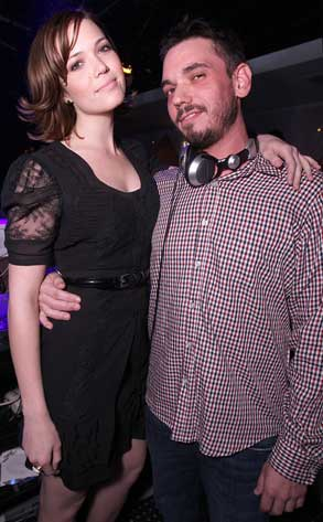 Mandy Moore, DJ AM