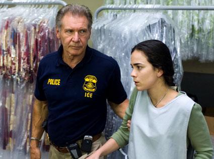 Harrison Ford, Alice Braga, Crossing Over
