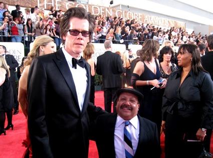 Kevin Bacon, Chuy Bravo
