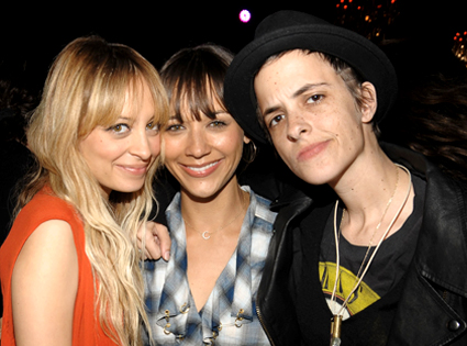 Nicole Richie, Rashida Jones, Samantha Ronson