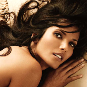 Padma Lakshmi Is Quite The Dish But Have You Seen Chelsea