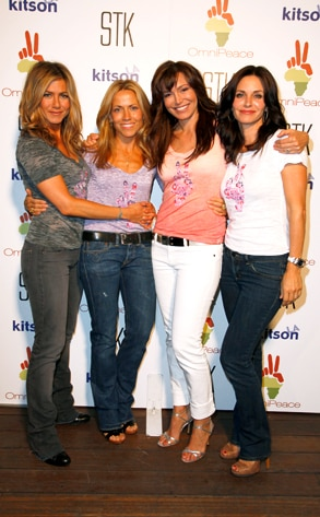 Jennifer Aniston, Sheryl Crow, Mary Fanaro, Courteney Cox