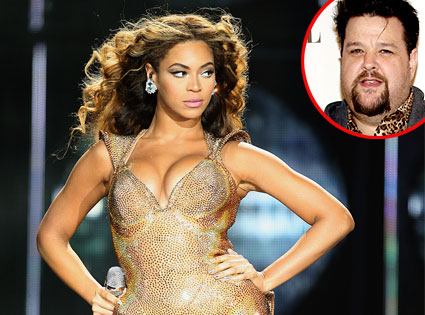 Beyonce Knowles, Chris March