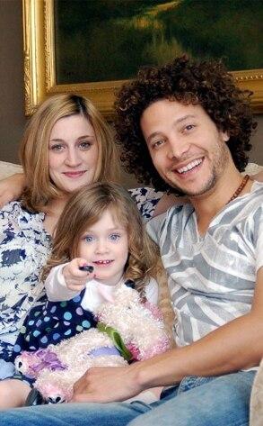 Justin Guarini, Reina Capodici, Lola