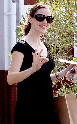 Caught Sweet Jennifer Garner Strikes Again E News
