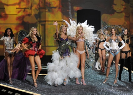 Selita Ebanks, Marisa Miller, Heidi Klum, Doutzen Kroes, Alessandra Ambrosio, Miranda Kerr, Victoria's Secret