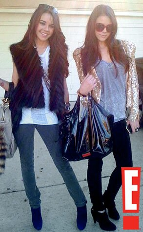 Bag Check from Pretty Wild Girls, Indeed! | E! News Gabby Neiers Rave