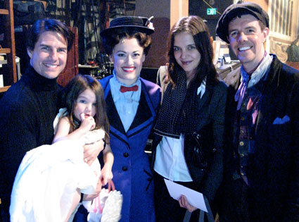 Tom Cruise, Suri Cruise, Mary Poppins, Katie Holmes