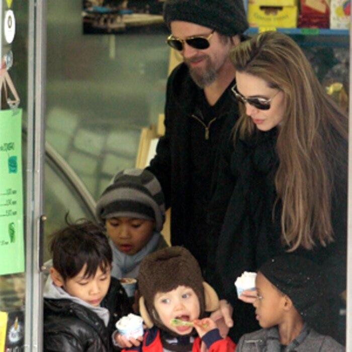 Brad Pitt, Angelina Jolie. Maddox, Pax, Shiloh, Zahara