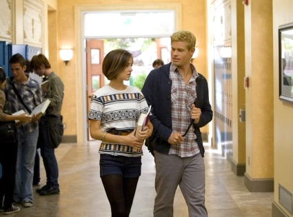 Jessica Stroup, Trevor Donovan, 90210