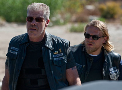 Sons of Anarchy, Ron Perlman, Charlie Hunnam