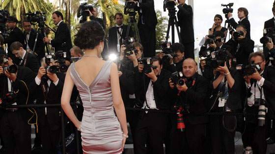 Actress, From Behind, Paparazzi