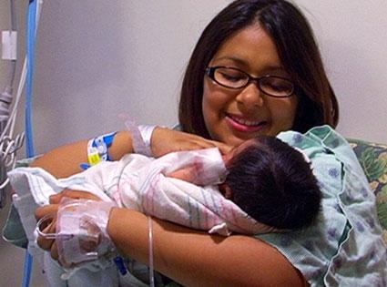 Samantha Hernandez, 16 & Pregnant