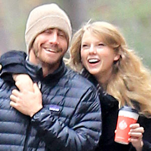 jake gyllenhaal and taylor swift kissing - photo #37