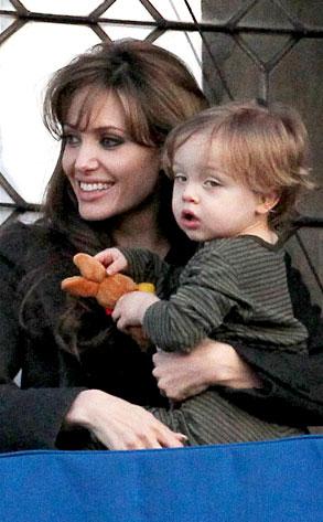 Angelina Jolie, Knox