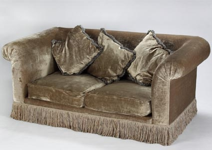 Anna Nicole Auction, Velour Couch