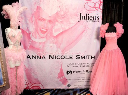 Anna Nicole Smith Auction