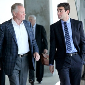 Lone Star, James Wolk, Jon Voight