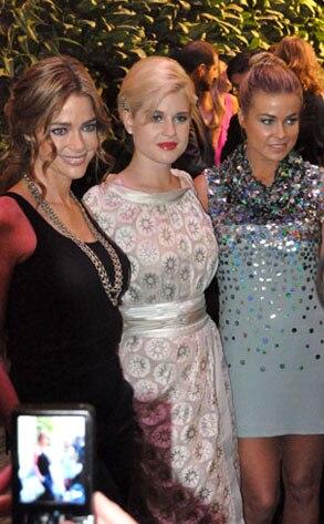 Denise Richards, Kelly Osbourne, Carmen Electra, Twitpic, Twitter