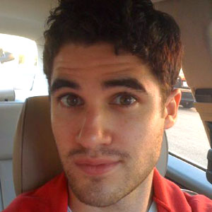 Darren Criss, Twitter, Twitpic