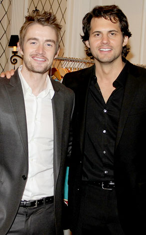 Robert Buckley, Kristoffer Polaha