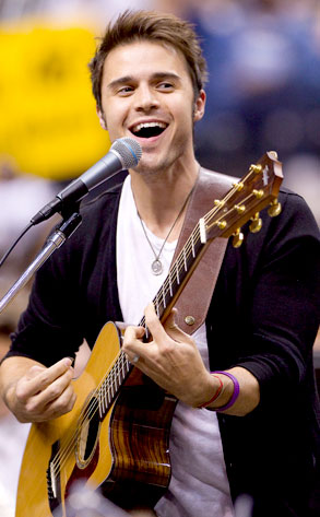 Kris Allen From American Idol Where Are They Now E News