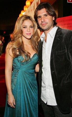 Shakira, Antonio de la Rua