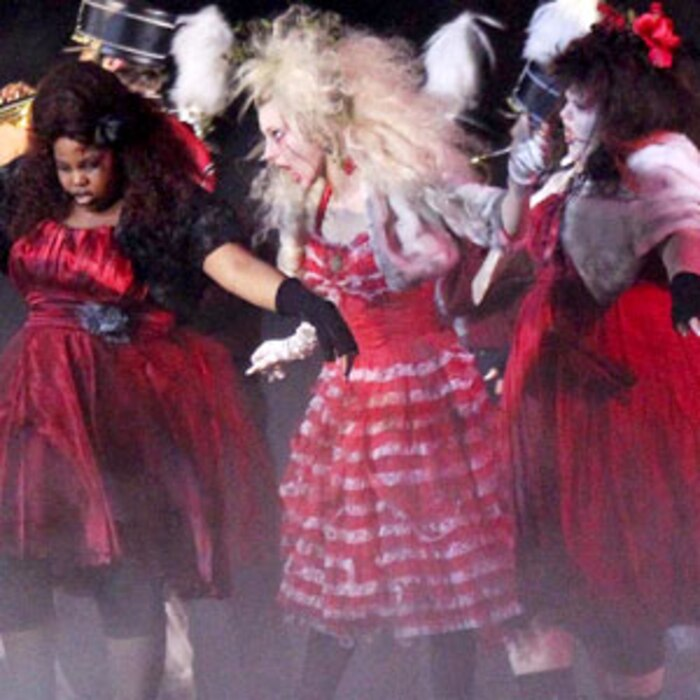 Amber Riley, Heather Morris, Glee