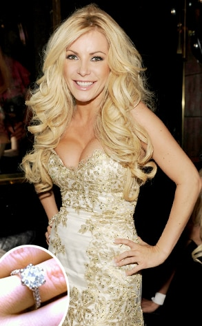 Crystal Harris, Engagement Ring