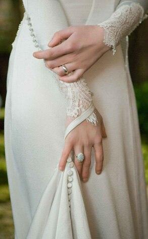Twilight Saga Wedding Dress 7 Cool Twilight Saga Breaking Dawn