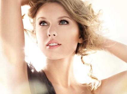 Talor Swift, CoverGirl Ad