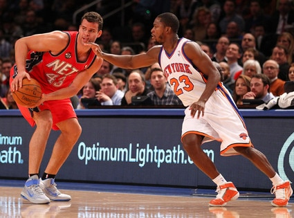 Kris Humphries, Toney Douglas
