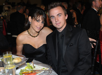 Frankie Muniz, Elycia Turnbow