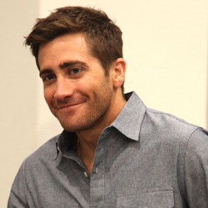 Jake Gyllenhaal Pissed Off by Urinal Photographer at SXSW | E! News