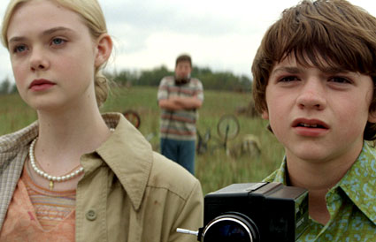 Super 8, Elle Fanning, Joel Courtney
