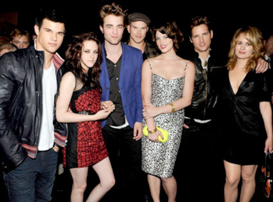Taylor Lautner, Kristen Stewart, Robert Pattinson, Kellan Lutz, Ashley Greene, Peter Facinelli, Elizabeth Reaser