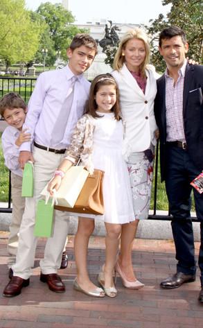 Kelly Ripa, Mark Consuelos, Family