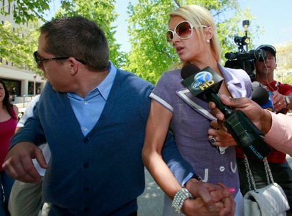 Cy Waits, Paris Hilton