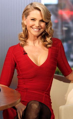 Christie Brinkley Brings Her Still-Sexy Self to GMA | E! News