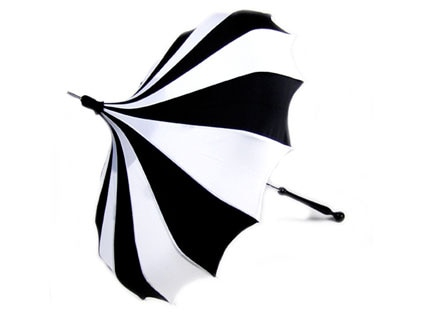 Black and White Pinwheel Bella Pagoda Umbrella