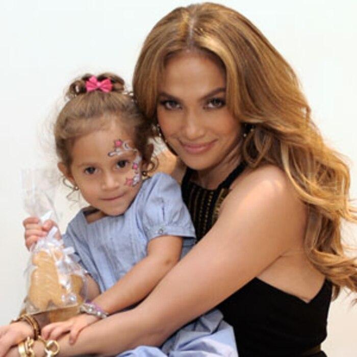 Jennifer Lopez, Emme Anthony