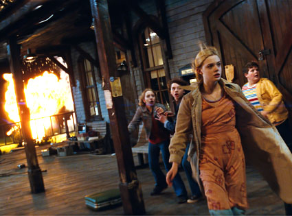 Ryan Lee, Joel Courtney, Elle Fanning, Riley Griffiths, Super 8