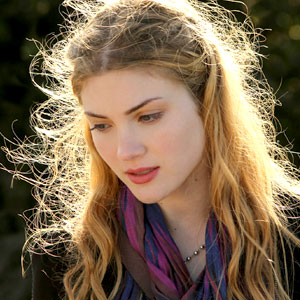Nine Lives of Chloe King, Skyler Samuels
