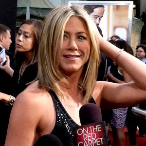 Jennifer Aniston, Twitter