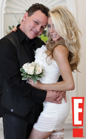 First Look Courtney Stodden And Doug Hutchisons Wedding Album